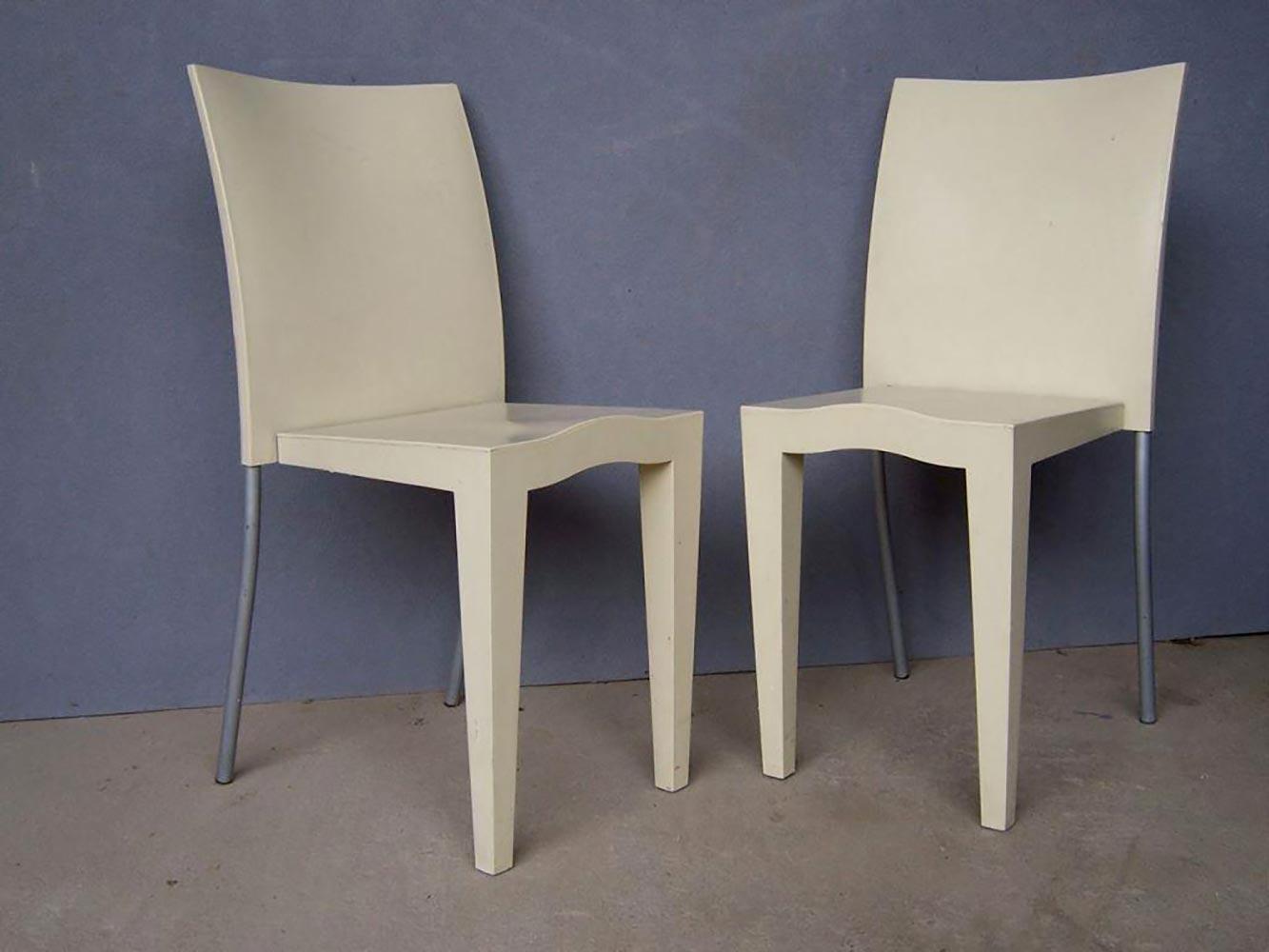 philippe starck 1949 edition kartell paire de chaises miss global h 85cm vendu sur. Black Bedroom Furniture Sets. Home Design Ideas